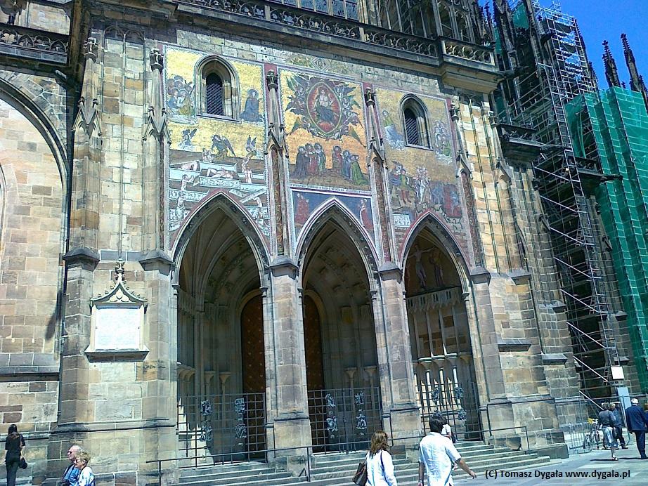 Złota Brama z mozaikowym Sądem Ostatecznym