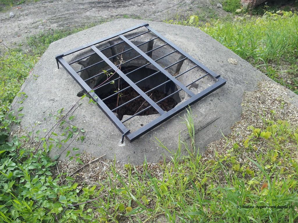 Zakratowany ringstand na forcie Traugutta